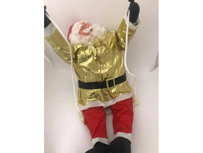 Babbo Natale morbido vestito oro e rosso in altalena 90cm Decorazione Natale