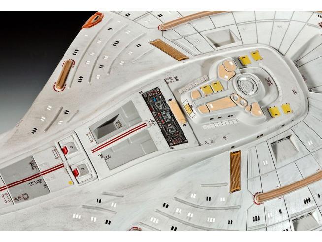 Star Trek Model Kit 1/670 U.S.S. Voyager 51 Cm Revell