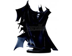 Batman Bianco & Nero Deluxe Statua Batman by Todd McFarlane 24 cm DC Direct